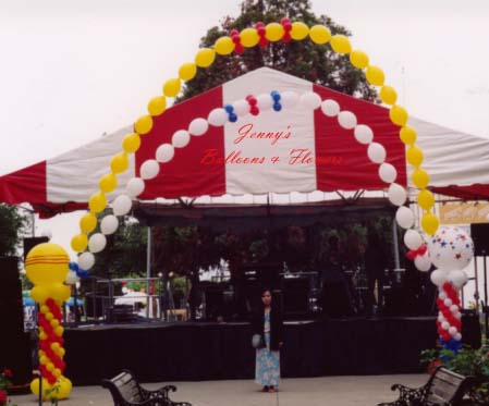 {Vietnamese flag and American Flag Arch design by Jenny Balloon}
